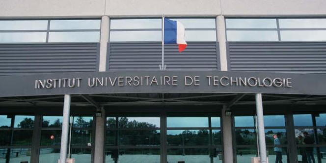 La façade de l'institut universitaire de technologie (IUT) de Nantes.
