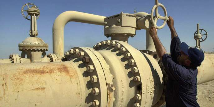 Bassora en Irak. Plus d'un an après le retrait américain, les Irakiens restent confrontés aux violences et aux blocages politiques, exacerbés par la manne énergétique.