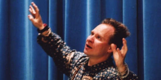 Le metteur en scène américain Peter Sellars.