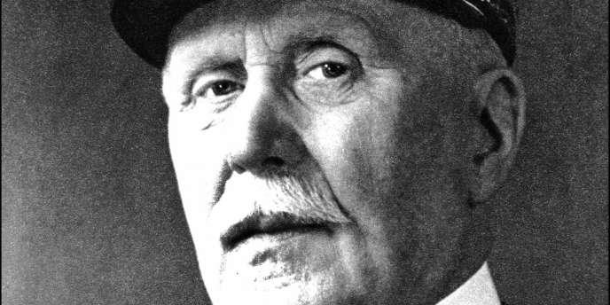 Photo officielle du maréchal Pétain, chef de l'Etat français, à Vichy en 1940.