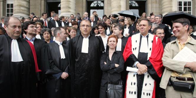 Dominique Barella (au centre), président de l'Union syndicale des magistrats, en 2005.