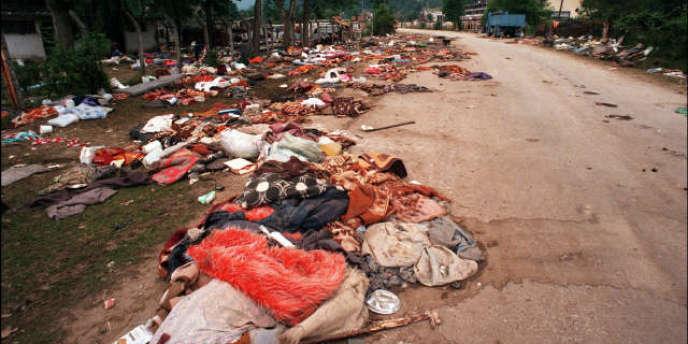 En juillet 1995, Srebrenica tombe aux mains des Serbes bosniaques : la population est massacrée.