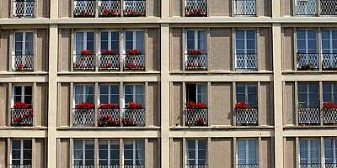 Exemple typique d'immeuble du centre de la ville du Havre, reconstruit après la Seconde guerre mondiale par l'architecte Auguste Perret, qui a été inscrit par l'Unesco, le 15 juillet 2005, sur la liste du patrimoine mondial de l'humanité.