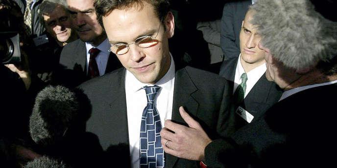 James Murdoch, fils du magnat Rupert Murdoch et directeur général du bouquet satellitaire britannique BSkyB. Le groupe News Corp possède 39% de BSkyB.