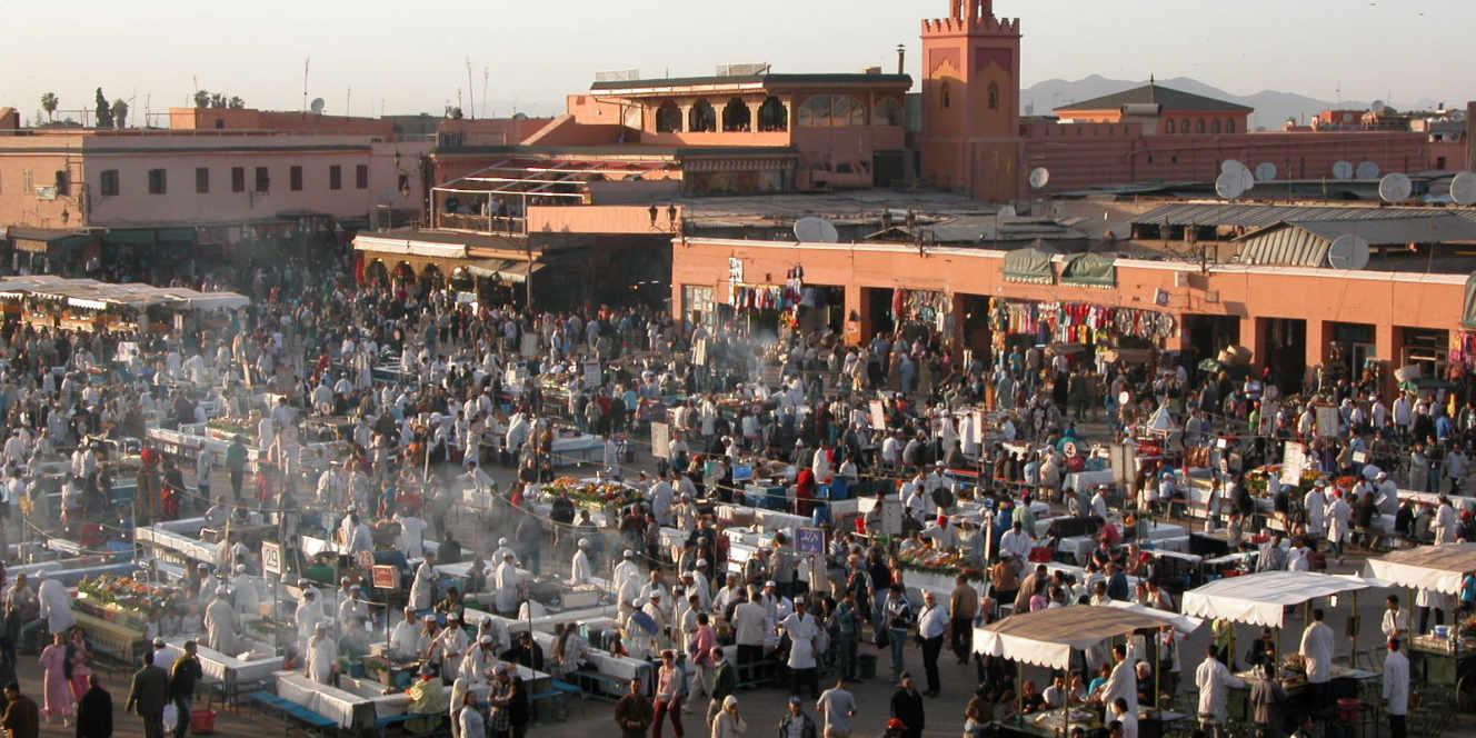 Marrakech, o djemma el fna cadrado.