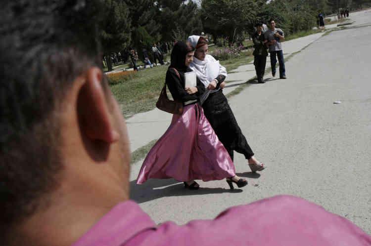 Depuis 2002, le campus de l'université de Kaboul s'est aussi ouvert à la mixité.