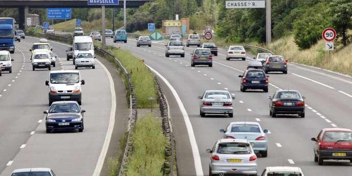 Quand l'automobiliste paye 100 euros, entre 20 et 24 euros constituent du bénéfice net pour les concessionnaires d'autoroutes, selon l'Autorité de la concurrence.