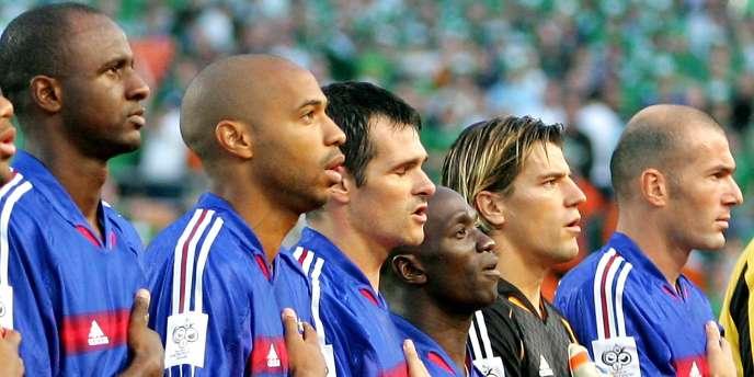 Des joueurs de l'équipe de France de football entonnent
