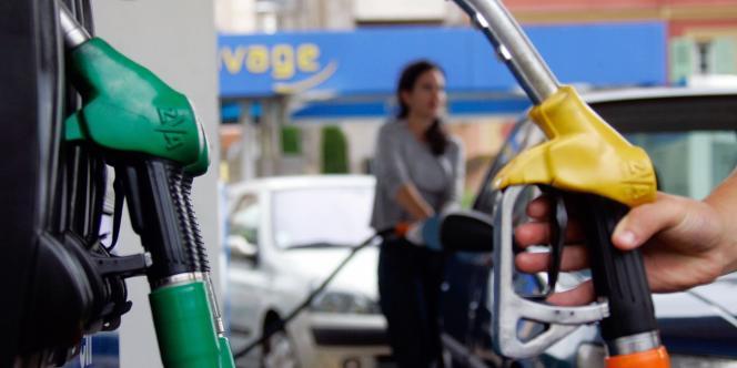 Depuis la fin 2011, les prix de l'essence n'en finissent plus de s'envoler en France.