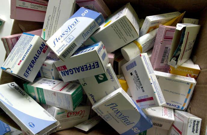 Plus de 10 000 personnes succombent chaque année en France à une mauvaise utilisation de médicaments.