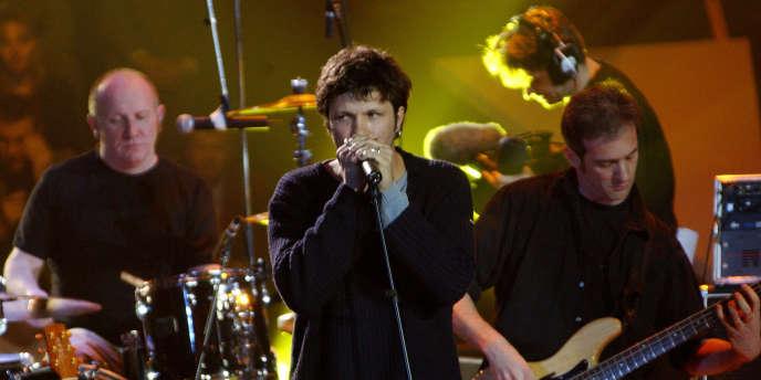 Le groupe Noir Désir en concert au Zénith de Paris, lors des 17es Victoires de la musique, le 9 mars 2002.