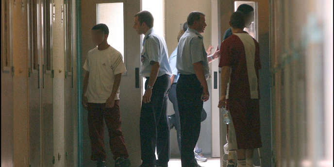 Trois détenus de la maison d'arrêt de Luynes donneront un concert lundi 3 juin aux côtés de rappeurs. Une première expérience en France, menée par l'association FU-JO.