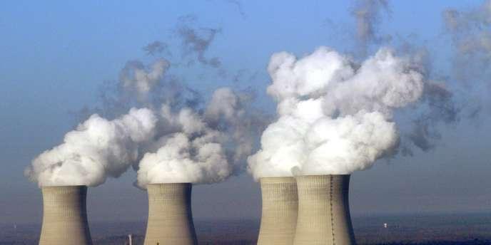 Jean-François Cloix, décédé le 25 avril 2009 des suites d'un cancer broncho-pulmonaire, avait travaillé de 1979 à 2009 comme technicien en chaudronnerie sur le site de la centrale nucléaire de Dampierre-en-Burly, dans le Loiret.