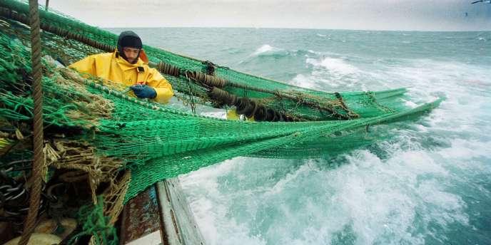 L'accord prévoit que les poissons, qui pour la plupart meurent après leur rejet, devront être débarqués par les pêcheurs pour les inciter à davantage de sélectivité.