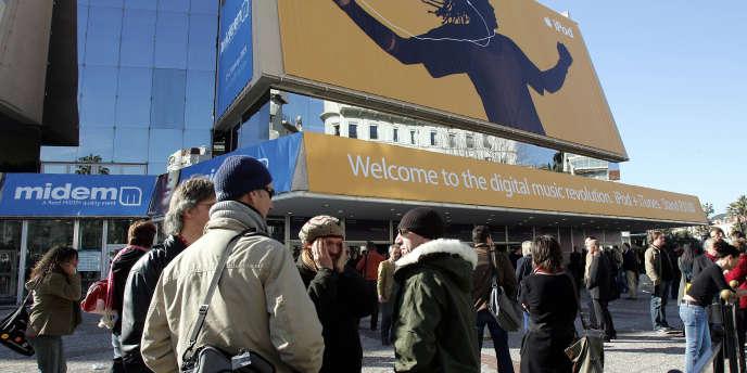 L'entrée du palais des expositions lors du 25e Midem à Cannes, le 25 janvier 2005.