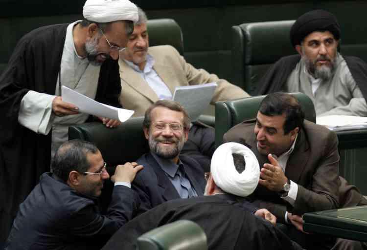 """A l'issue d'une intervention au Parlement de Téhéran, le secrétaire du Conseil suprême de la sécurité nationale, ALi Larijani, a déclaré à la presse : """"Nous acceptons de négocier avec les Américains""""."""