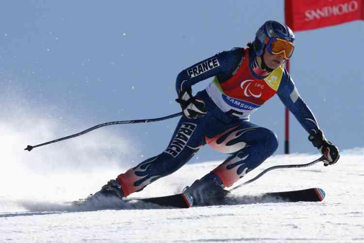 La skieuse française Solène Jambaqué, qui est atteinte d'hémiplégie, a décroché lundi 13 mars sa deuxième médaille d'or à Sestrières.