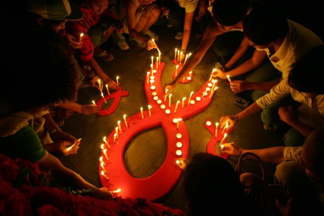 Action symbolique contre le sida à Marikina, aux Philippines, en mai 2006.
