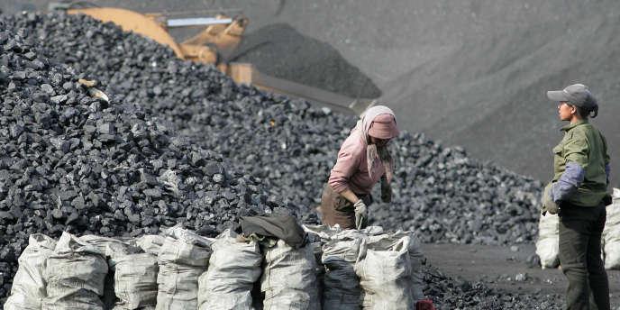 Une mine de charbon au nord de Pékin (Chine), en 2006.