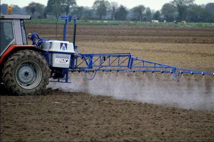 L'emploi de pesticides et d'engrais reste la première cause de pollution des eaux.
