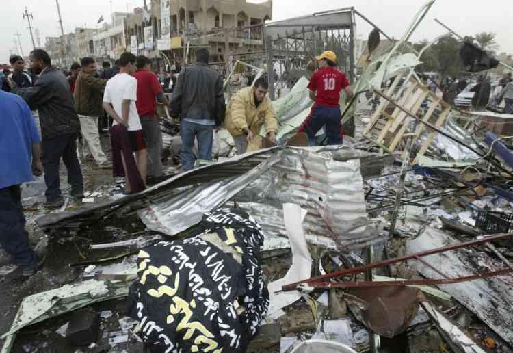 Plusieurs attentats à la voiture piégée ont provoqué, le 23 novembre, un véritable carnage dans le quartier chiite de Sadr City, à Bagdad.