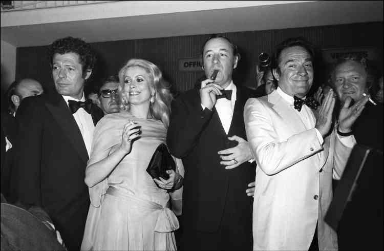 """Philippe Noiret sait prendre des risques avec sa carrière. Il participe à """"La grande bouffe"""", film radical de Marco Ferreri, qui sera scandale à Cannes en 1973 pour son réalisme, pour la crudité de sa description des effets physiologiques consécutifs à une véritable explosion des corps."""