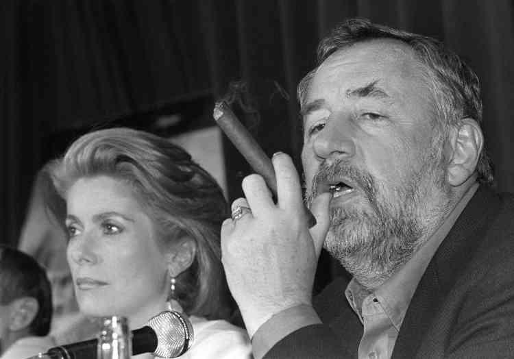 """De lui, Bertrand Tavernier dit qu'il est """"crédible dans n'importe quel métier"""". Dans """"Fort Saganne"""", en 1984, il sera officier colonial, aux côtés de Catherine Deneuve, Gérard Depardieu t Sophie Marceau. Il a aussi fait le flic """"ripoux"""" (1984), l'aristocrate breton sous la Terreur dans """"Chouans"""" (1988)."""