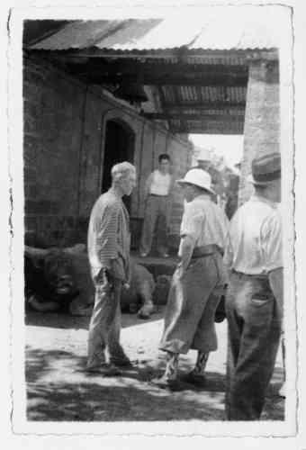 Guillaume Seznec, qui continue de clamer son innocence, sera conduit en Guyane, et notamment au bagne de l'île Royale où il restera de 1928 à1942, comme le montre cette photo prise clandestinement par un surveillant militaire vers1934.