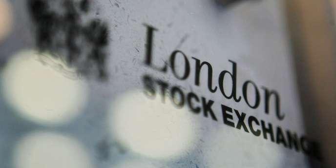 Dans son rapport d'activité publié mercredi 18 juillet, le LSE indique avoir enregistré un chiffre d'affaires en hausse de 10 % à 209,5 millions de livres (environ 267 millions d'euros) au premier trimestre achevé fin juin de son exercice en cours.