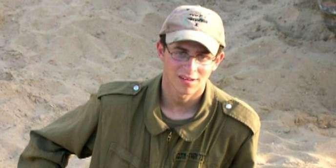 Le soldat israélien Gilad Shalit a été capturé à l'âge de 19 ans, en juin 2006, par trois groupes armés palestiniens, dont le Hamas.
