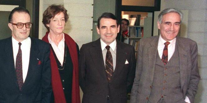 Les membres du Conseil supérieur de l'audiovisuel, en janvier 1989, dont Jacques Boutet, à gauche, au côté de Daisy de Galard, Roland Faure et Bertrand Labrusse.