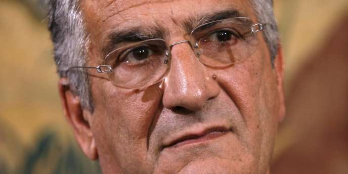 M. Emmanuelli a présidé le Samu social de Paris depuis sa création, en 1993, jusqu'en 2011.