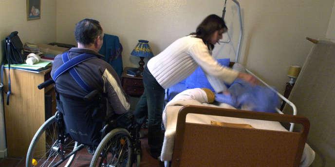 Quelque 8 500 structures emploient 550 000 salariées qui interviennent auprès des personnes handicapées, âgées ou en perte d'autonomie.