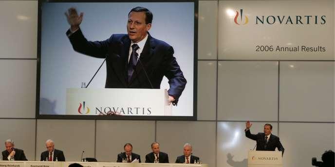 Le PDG de Novartis, Daniel Vasella, devrait être remplacé par Jörg Reinhardten.