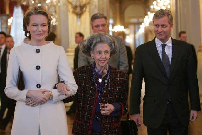 Le prince Philippe avec la reine Fabiola (au centre) et la princesse Mathilde, lors d'une réception le 24 janvier 2007.