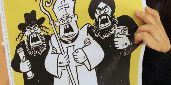 L'hebdomadaire satirique Charlie Hebdo publie une édition spéciale à l'occasion de l'ouverture de son procès devant le tribunal correctionnel de Paris, le 7 février.
