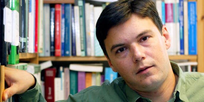 L'économiste Thomas Piketty, ici en 2003, est professeur à l'école d'économie de Paris.