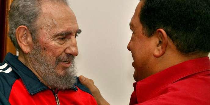 Fidel Castro en compagnie du président vénézuelien Hugo Chavez, lors d'une rencontre à La Havane, le 29 janvier 2007.