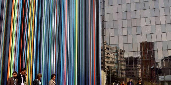 Quartier d'affaires de La Défense, qui abrite de nombreux sièges sociaux de grandes entreprises.