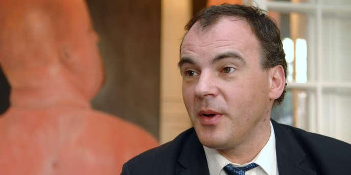 Le président du Rassemblement des contribuables français et candidat à l'élection présidentielle, Nicolas Miguet, le 26 février 2006 à Paris.