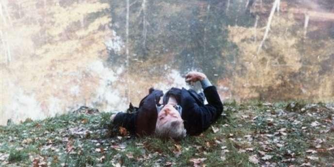Le corps de l'ancien ministre du travail Robert Boulin, retrouvé noyé en forêt de Rambouillet, le 30 octobre 1979.