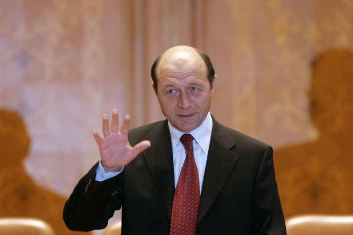 Le président roumain, Traian Basescu, au Parlement, en 2007 à Bucarest.