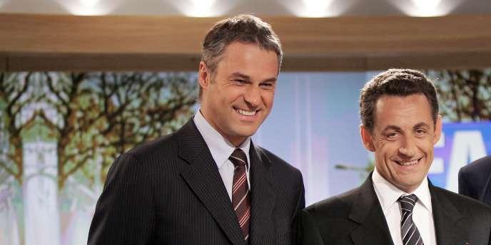 Nicolas Sarkozy avec le journaliste François Bachy, à la fin de l'émission