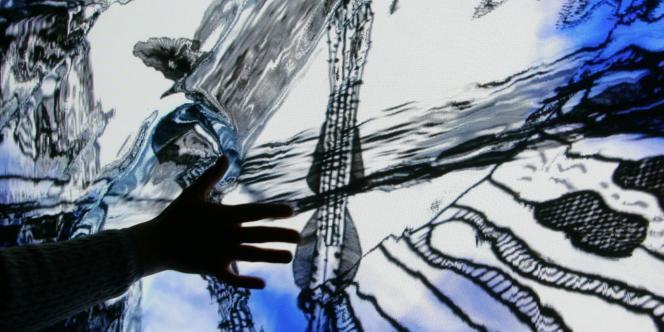 L'une des animations proposées lors des 8es Rencontres internationales de la réalité virtuelle à Laval (Mayenne), le 28 avril 2006.