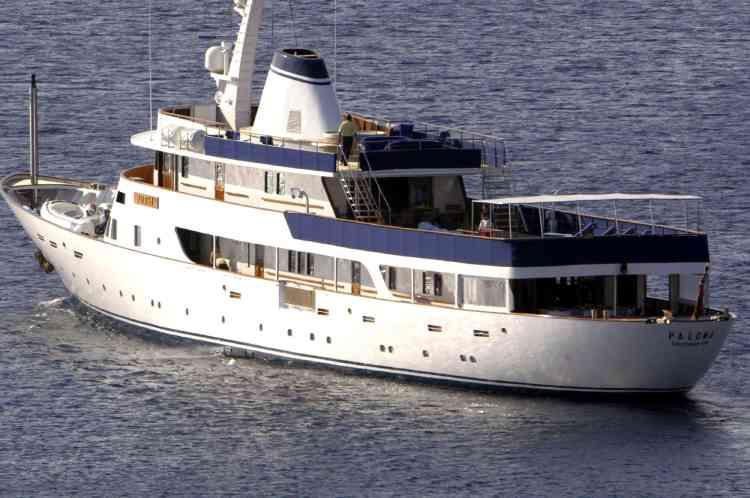 """Le """"Paloma"""", au large de Marsaxlokk (île de Malte), sur lequel Nicolas Sarkozy et sa suite ont embarqué."""