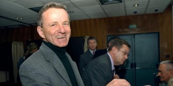 L'ancien maire de Grenoble Alain Carignon, lors de l'élection à la présidence départementale de l'UMP, en avril 2003.