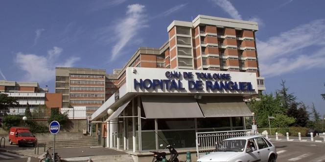 L'accident qui s'est produit entre avril 2006 et avril 2007 à l'hôpital de Toulouse-Rangueil est dû à une erreur d'étalonnage.