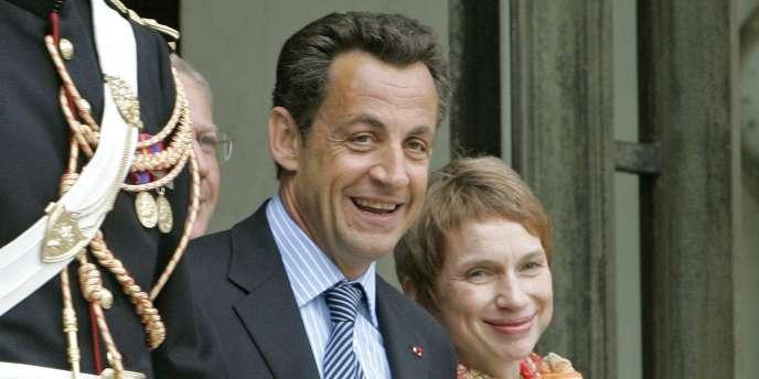 Le président de la République Nicolas Sarkozy et la présidente du Medef, Laurence Parisot, le 30 mai 2007 à l'Elysée.