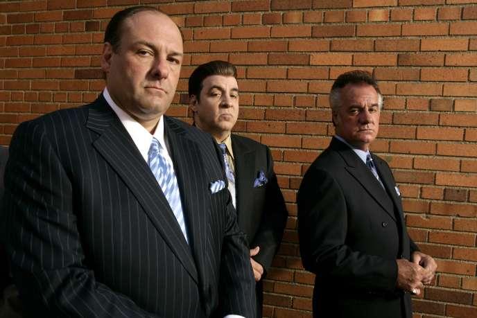 Tony Soprano, le «boss», Silvio Dante, le «consigliere», et Peter Paul Gualtieri, le «capo» dans la série TV «Les Soprano» («The Sopranos»).