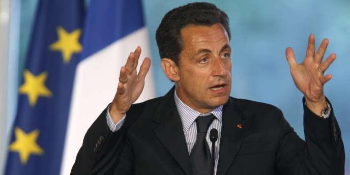 Nicolas Sarkozy, devant les parlementaires UMP, le 20 juin 2007 à l'Elysée.